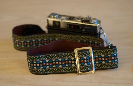 Fantastic old school camera strap.