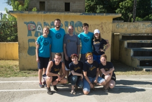 Group picture in Pancho Mateo before our day of painting.